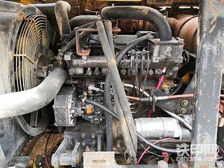 哪位兄弟知道柳工908C发动机铭牌在哪
