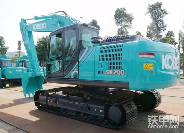 神钢的200挖机怎么样?挖沟甩土+装车效率如何?