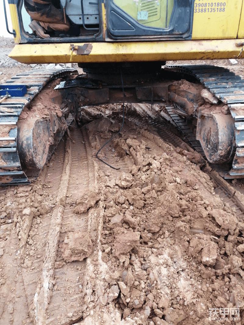 小松450—7挖机,底盘伸缩-帖子图片