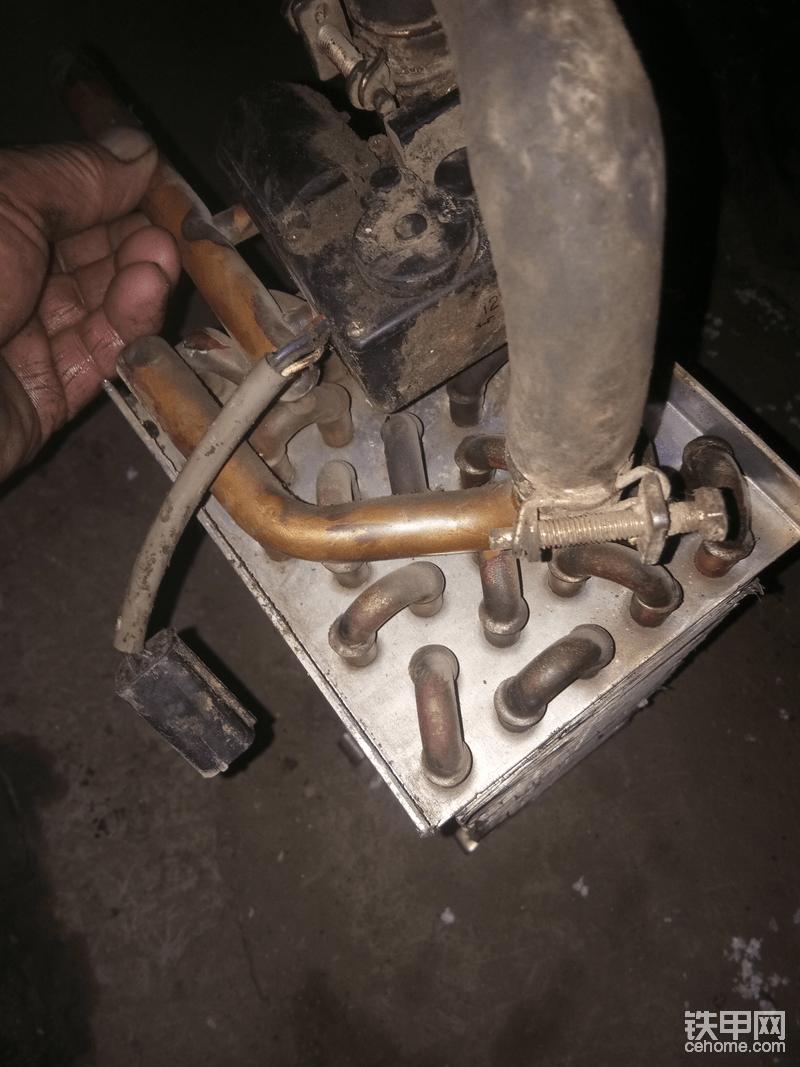 散热器管路和空调冷凝器管路