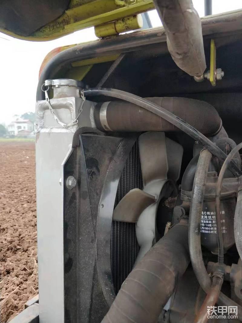 风扇和散热器,散热器采用的铝合金质量一般
