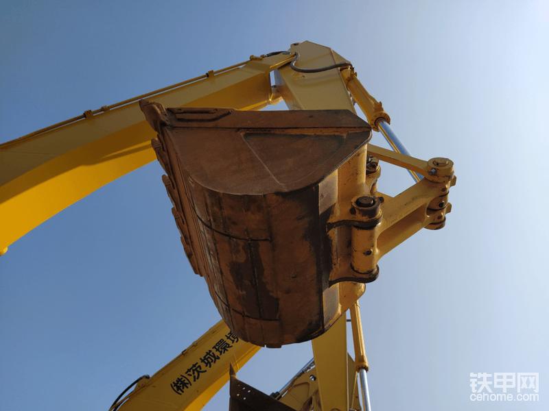 挖斗有轻微磨损,正常磨损