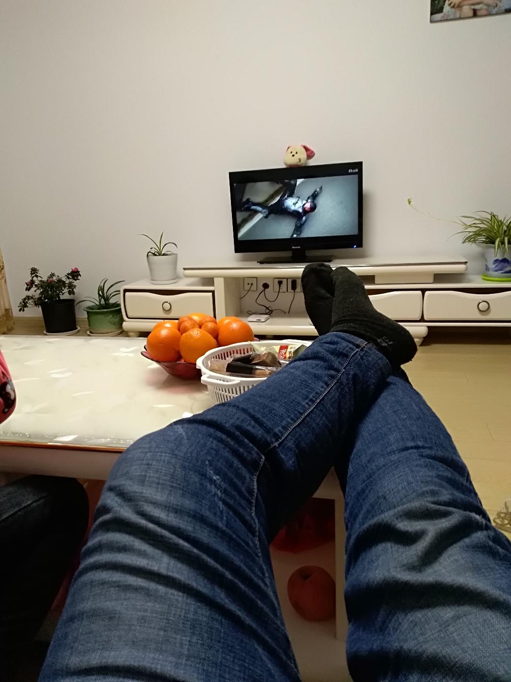 【金鼠打卡第八天】在家看电视