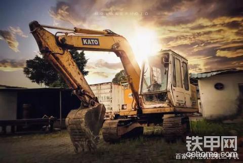 80后转行挖机行业