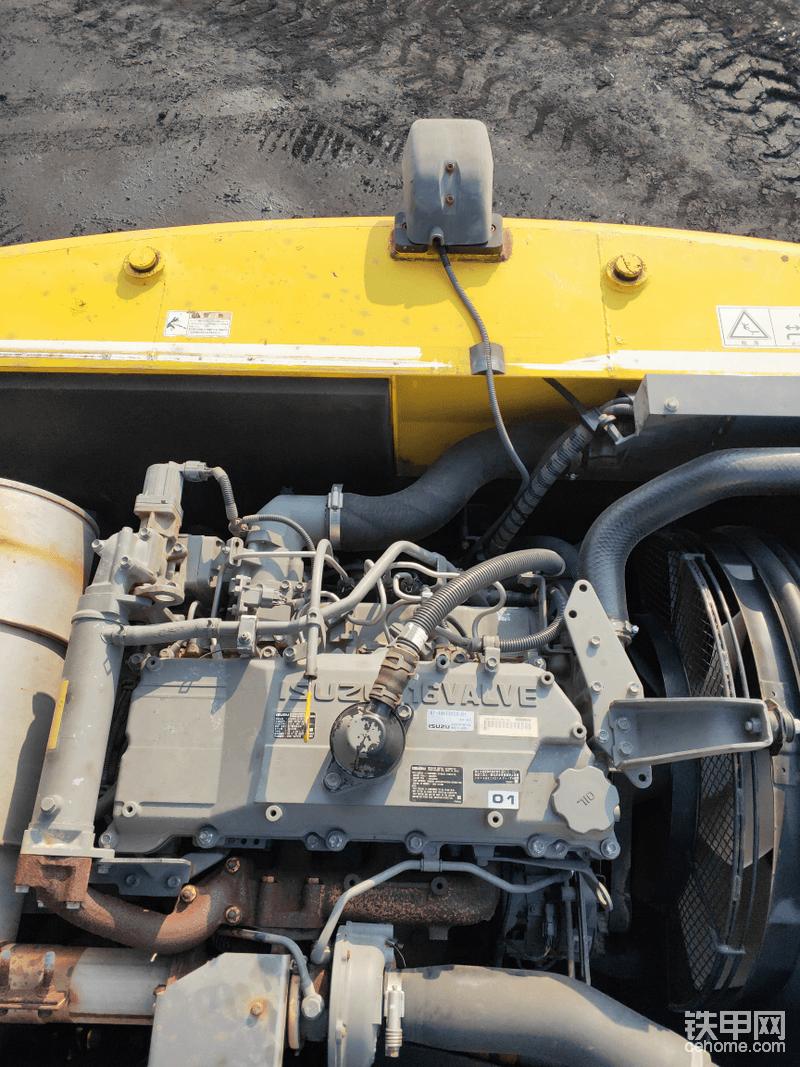 五十铃发动机,经典中的经典!很多挖机都在用,不光挖机,大车也在用。