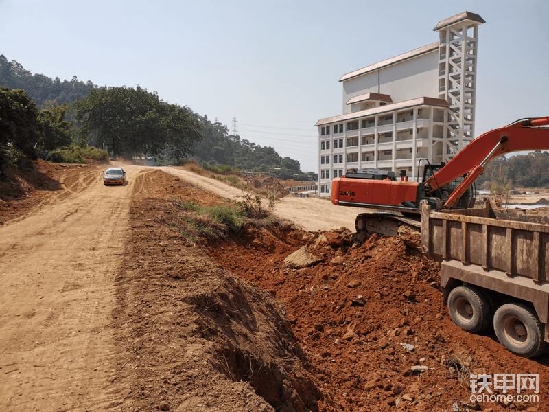 广东惠州日立360日立挖机找活帖子图片