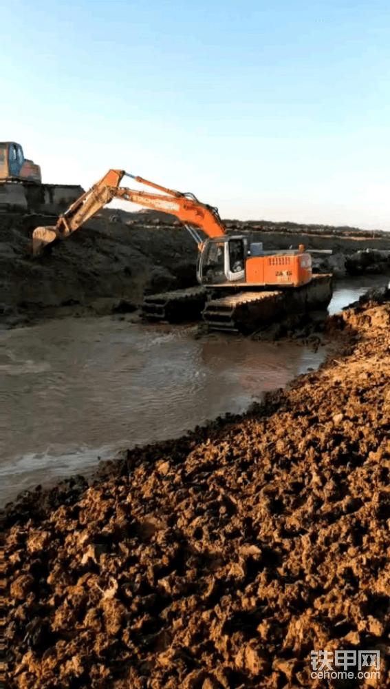 三亚河道清淤挖掘机出租公司哪家好-帖子图片