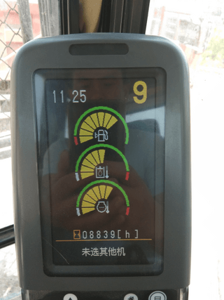 卡特320D2才八千多小时,就这高的温度!
