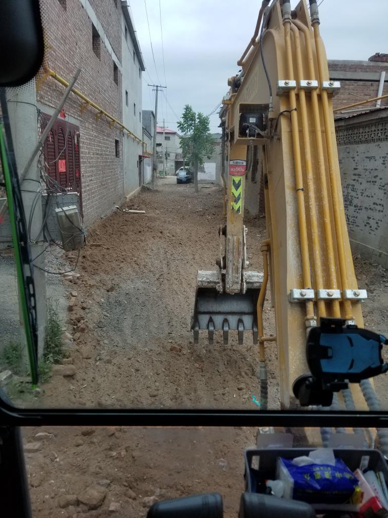 挖机回家45天啦。