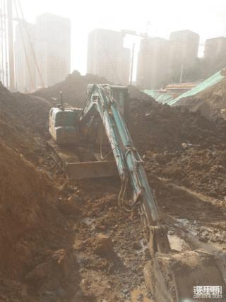 2018年7月云南第一台山河SWE80E9小挖