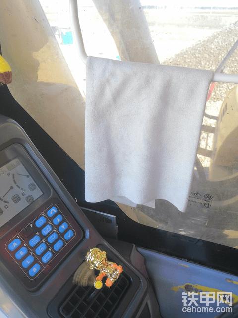 挖机车内必备物品