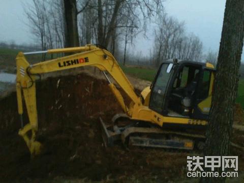 十年挖机路  ,经历的风雨历程  ,一路走来的艰辛