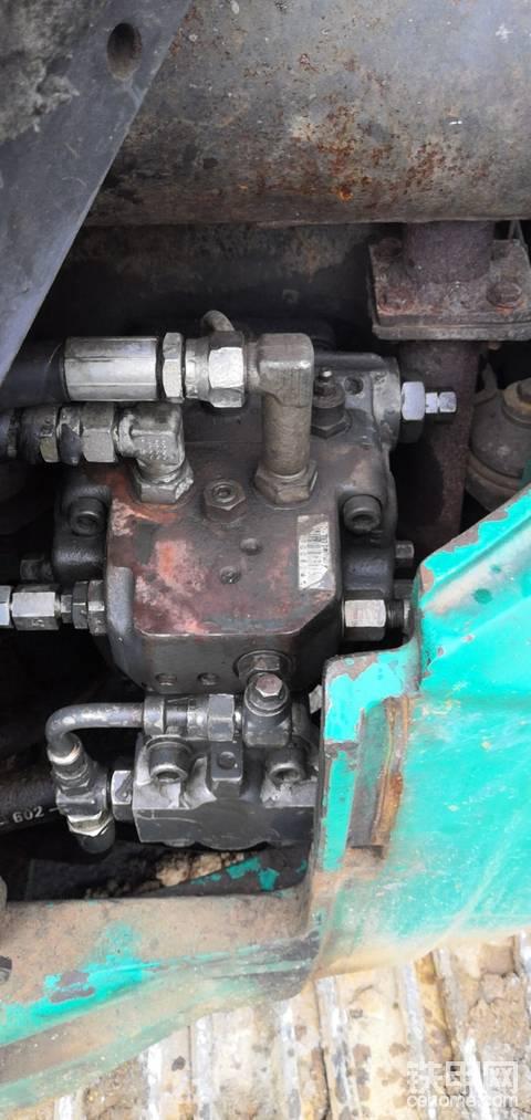 小松35MQ-1阀体背压是没法修的吗?没有改良方法吗?