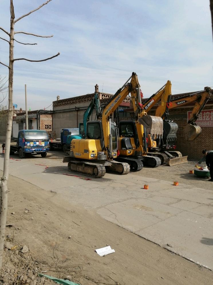 招聘:挖机司机,工作地点平遥县