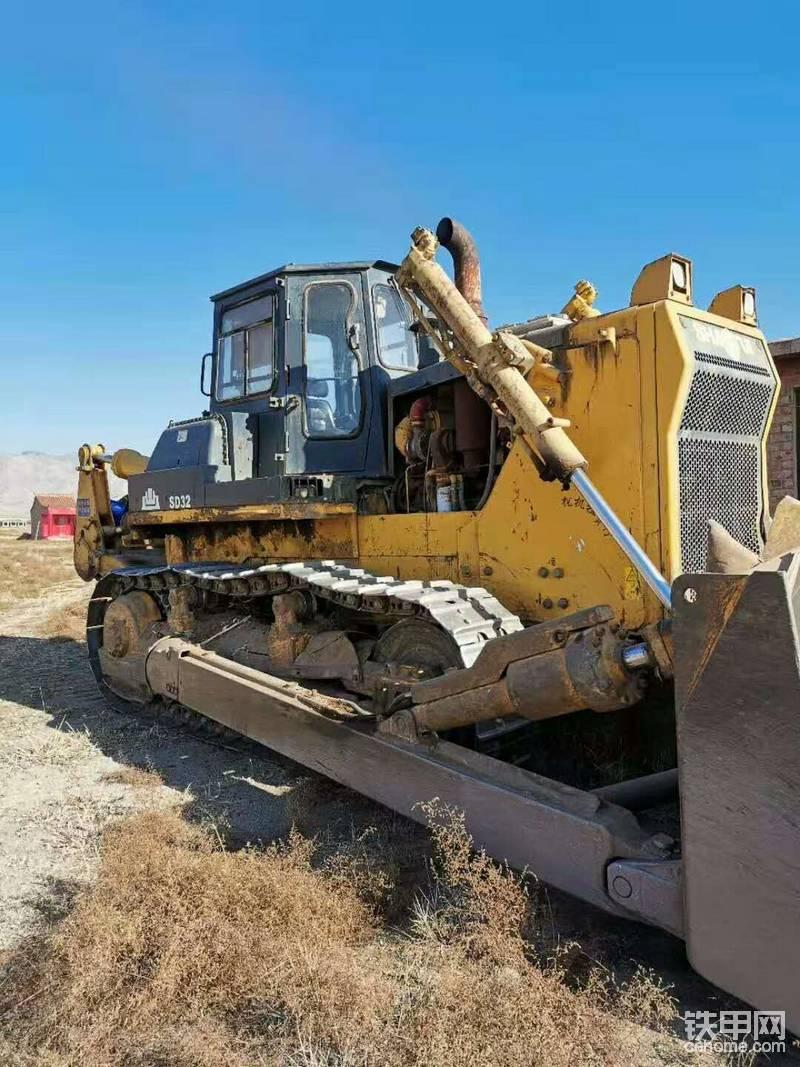 推土机、挖掘机出租:  320 推土机,520挖掘机租赁-帖子图片