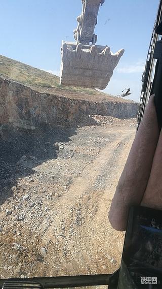 【每周评车】卡特彼勒320挖机5100小时使用报告