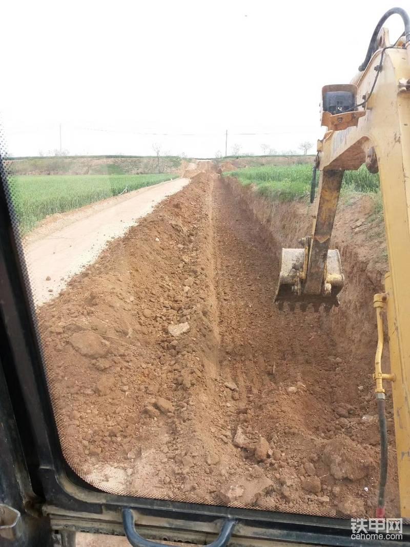【操作達人】60挖機挖地基,挖溝技巧-帖子圖片