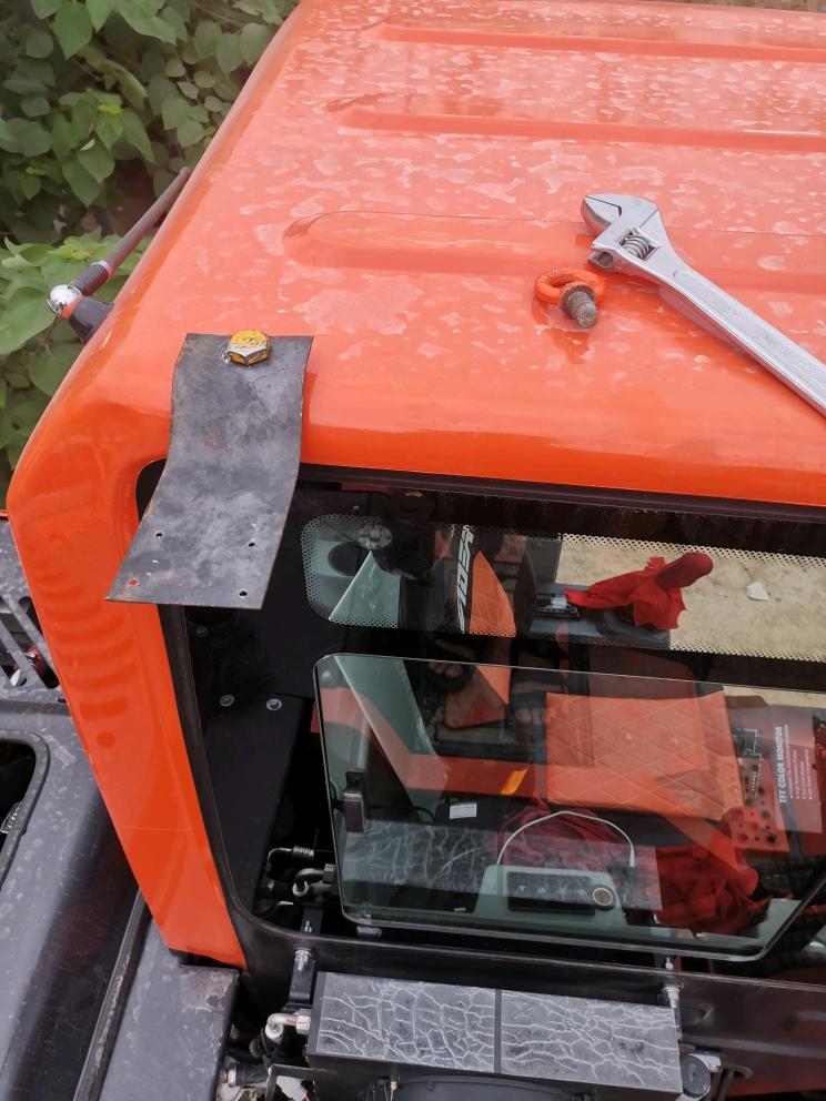 雷道85轮挖摄像头安装