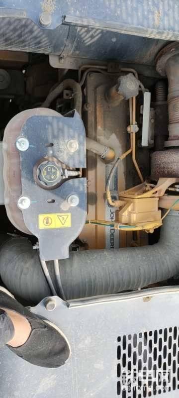 迪尔自主研发的发动机,功率263KW/2000min的输出