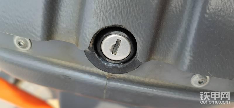 求購悍馬HV10操作臺蓋子鎖具一套-帖子圖片