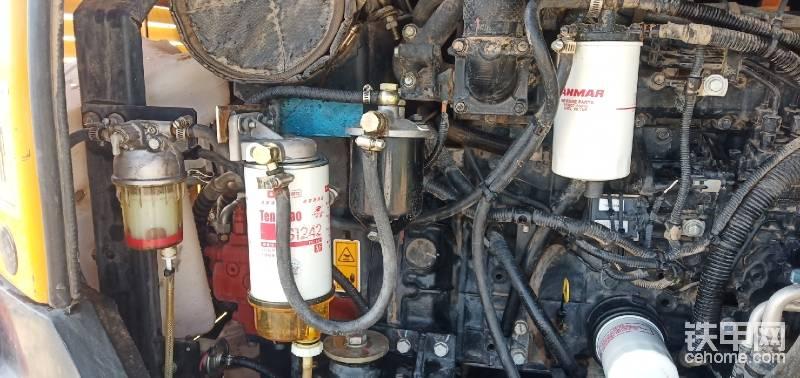 我大概清洗了一下发动机,然后加装了一道油水分离器。别的都没动,等以后有问题随时处理