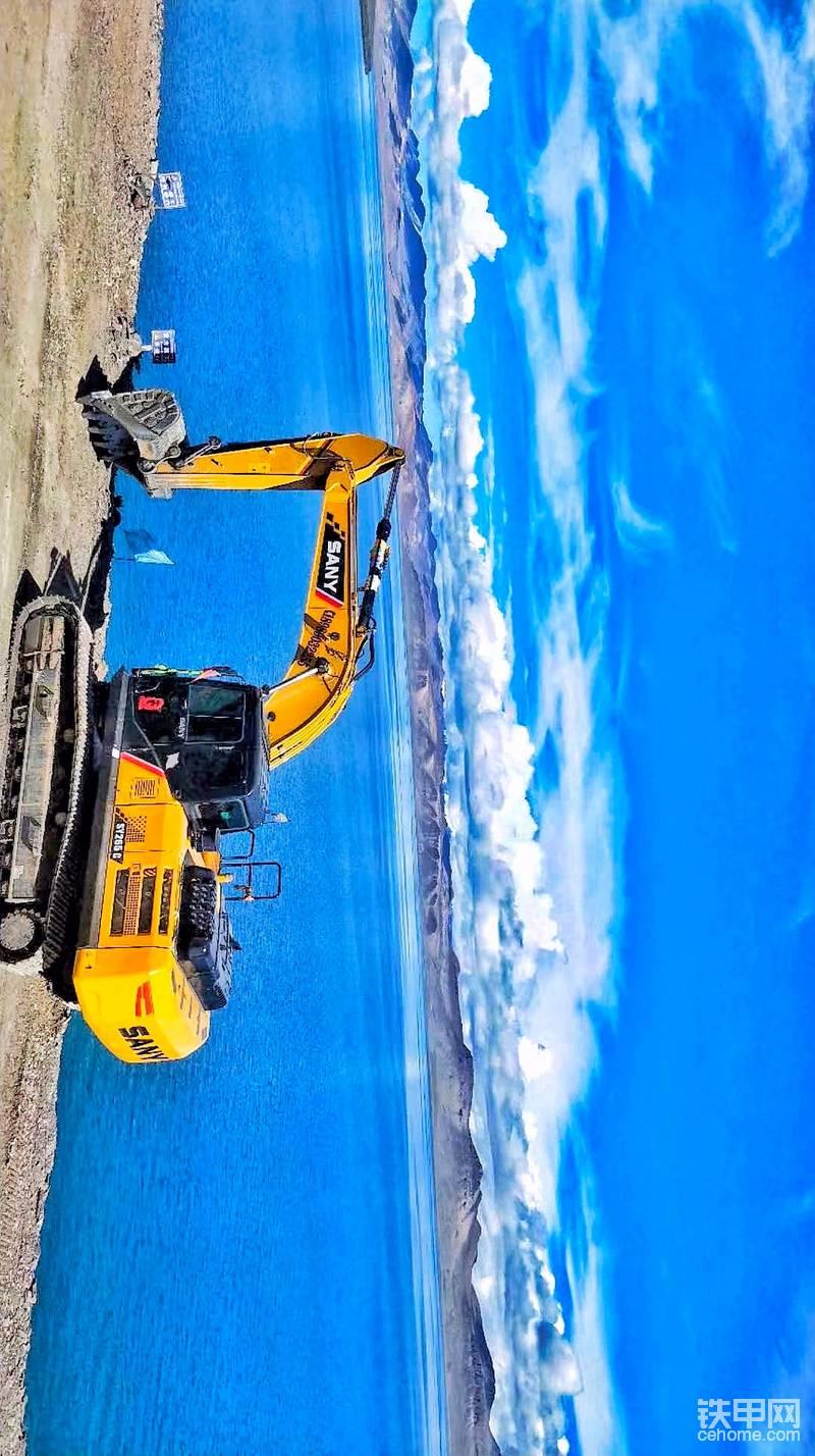 西藏施工的挖掘机,景色真漂亮!(横屏看)-帖子图片