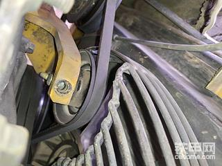 小挖机皮带轮螺丝断了怎么办?