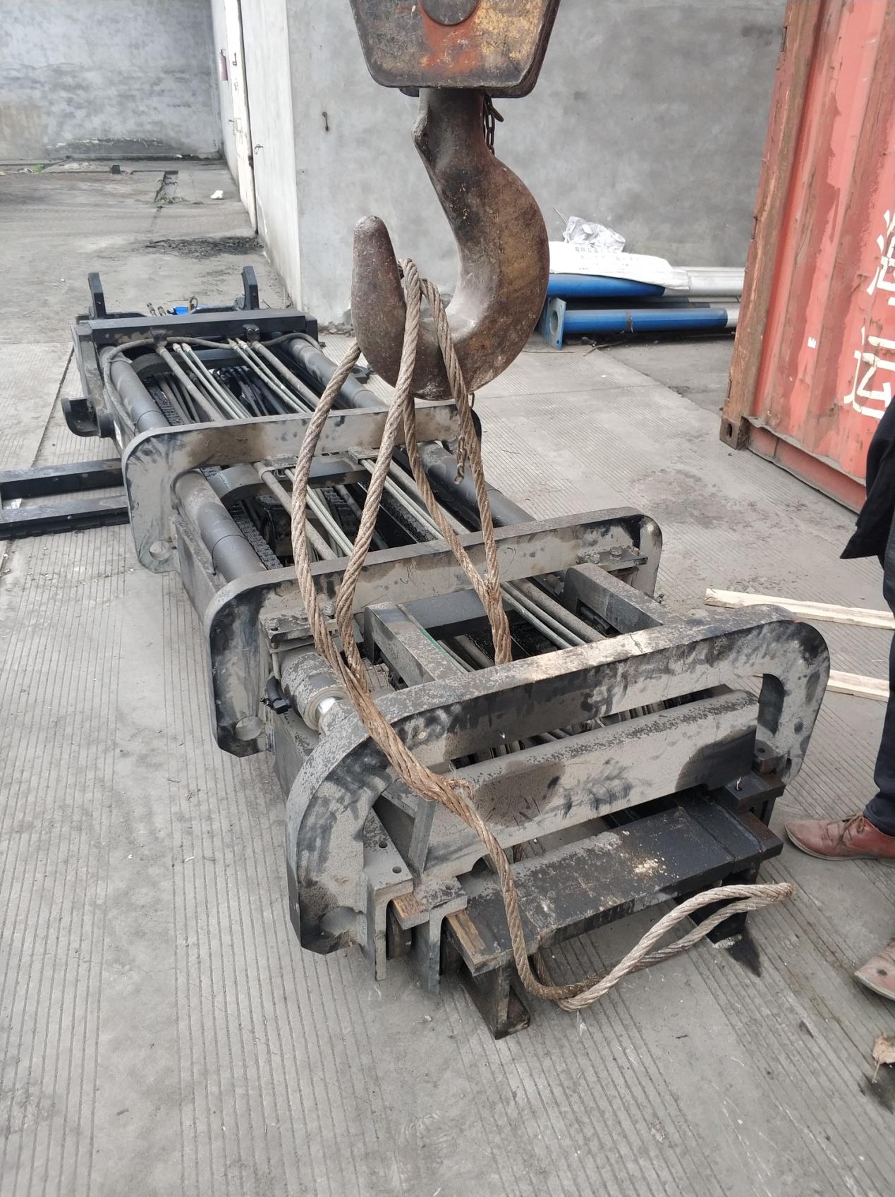 【维修记】TEU叉车加装侧移器