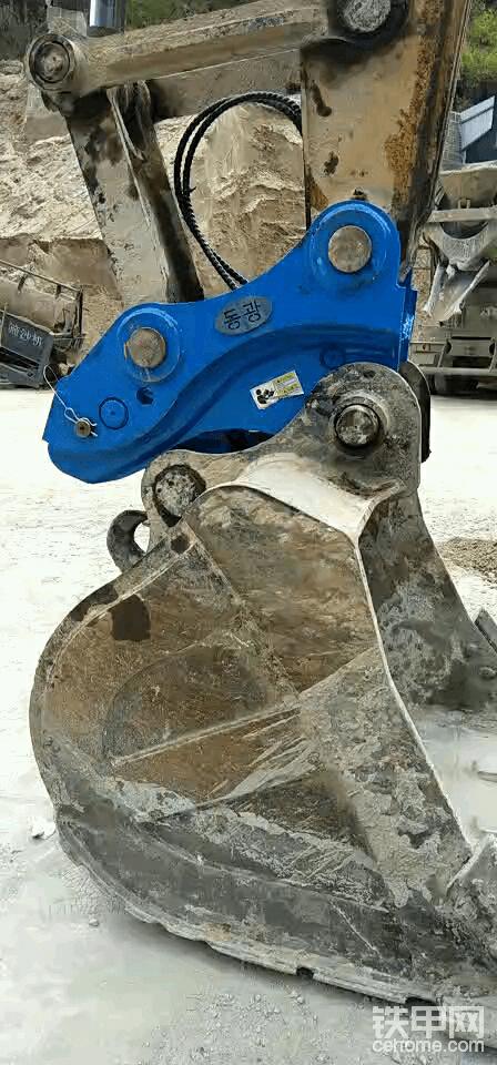 专业破碎锤管路安装,快接头等!!