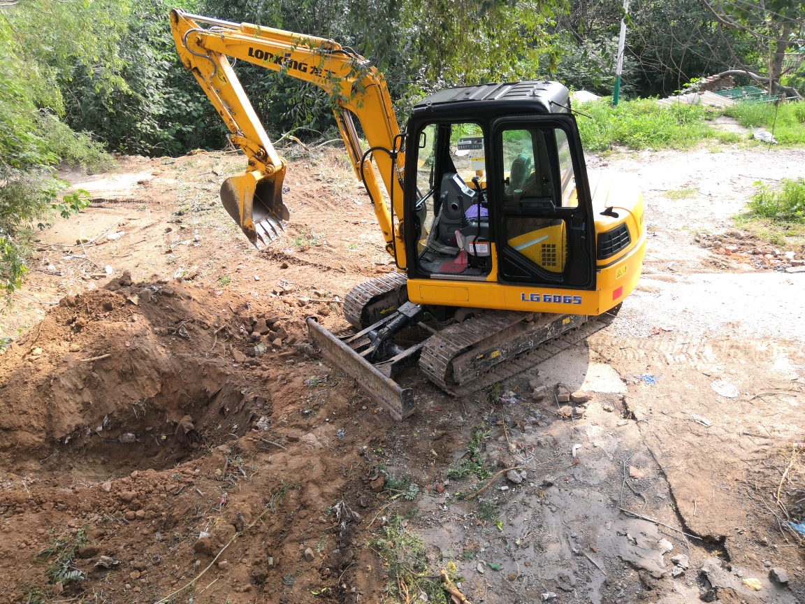 人生第一台挖机