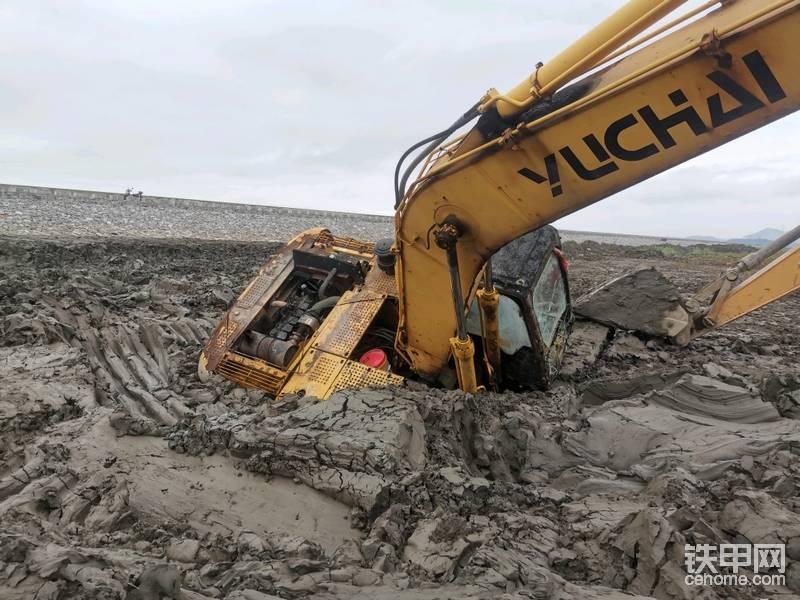 [我的成长记]渣渣学徒与九成报废挖机的陷机相遇-帖子图片