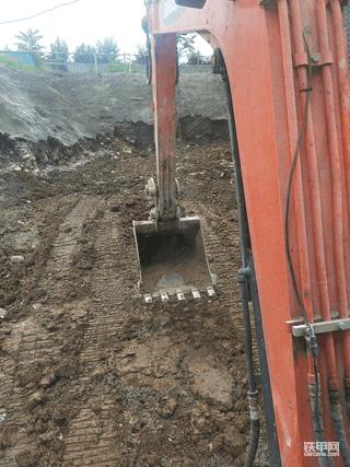 60挖机只会甩土找活