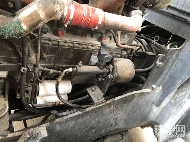 车架的漆还在,受损最严重的加力器