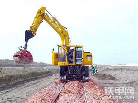 斗山軌道挖掘機S140WV-RW-帖子圖片