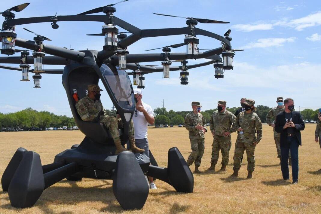 电动单兵飞行器?配备18个螺旋桨,造型像外星科技