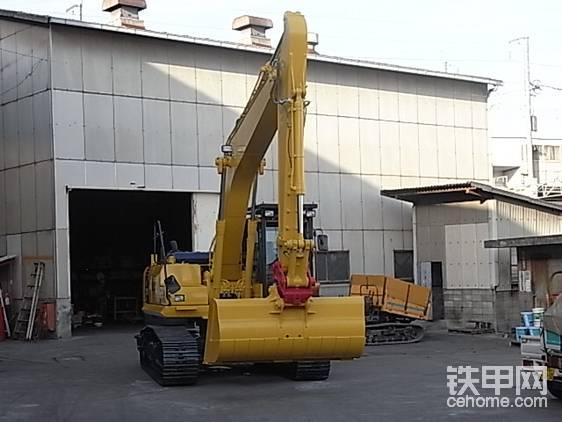 日本🇯🇵靓机:小松PC210LC-8船内作业挖掘机。-帖子图片