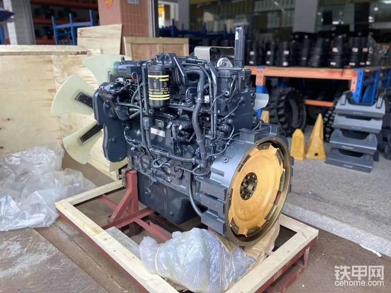 小松PC300-8原装 6D114E发动机总成 现货供应帖子图片