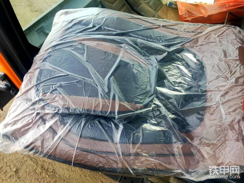 新车到家,座套必须安排上,大小整合适