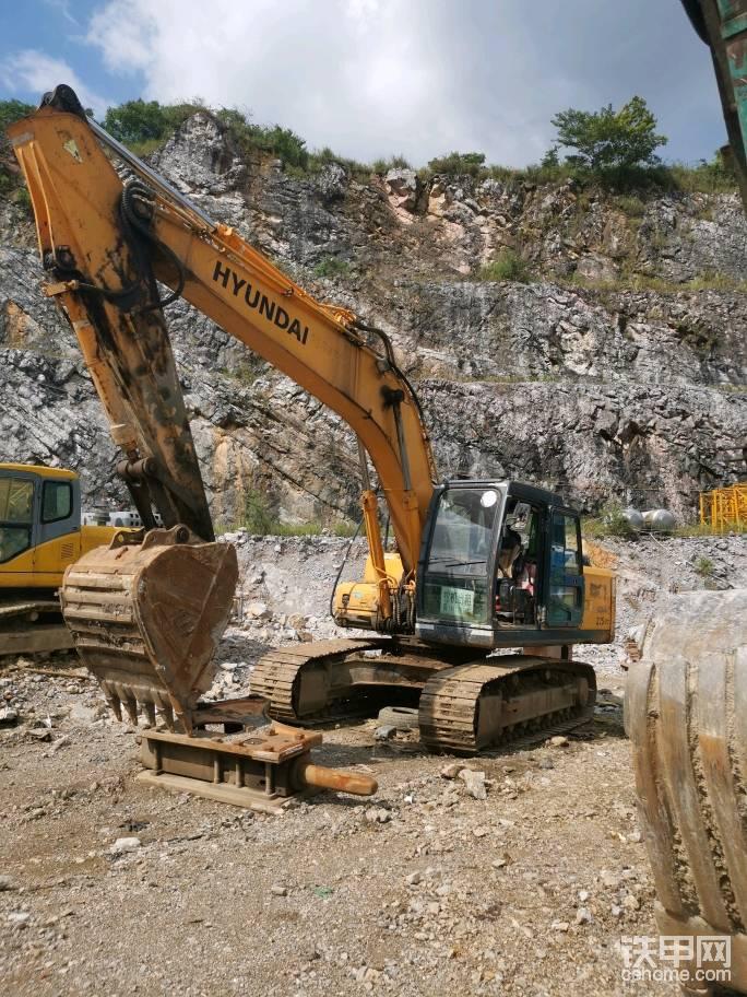 现代215挖掘机出租-帖子图片