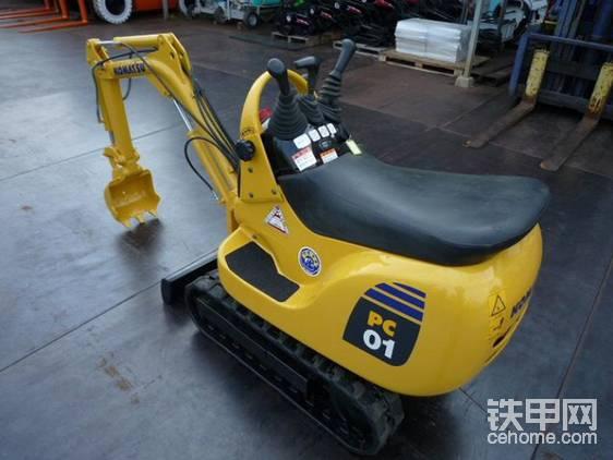 日本????靚機之世界最小挖掘機—小松PC01-1A-帖子圖片