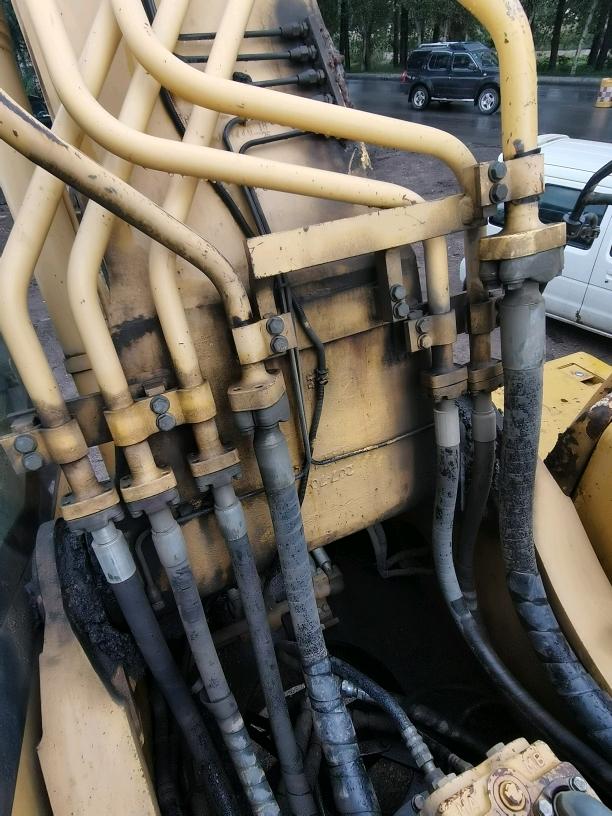 小松360原车免焊破碎管路