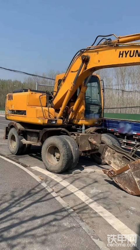 求购 现代 150 轮挖 轮式挖掘机