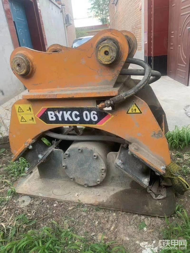 挖機配上打夯機真是不錯-帖子圖片