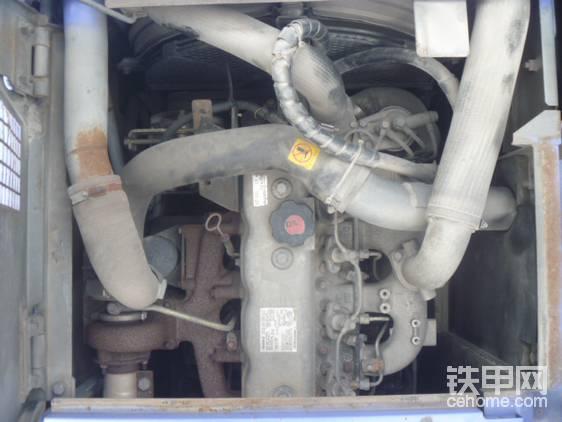 和日立135一致的引擎。