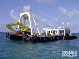 【票友说车3】之游泳挖机:极东建设水下挖掘机TKM200