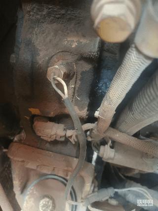 卡特315漏机油