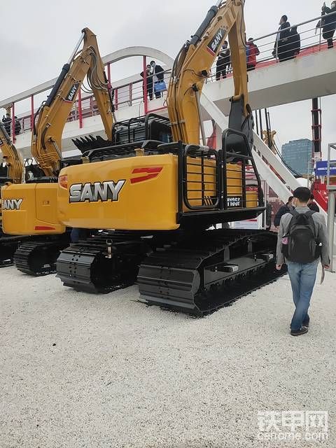 2020,我在上海宝马展 三一出厂自带防护网挖机有何意义