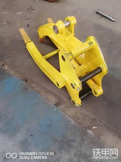 卖抓木器,全新75徐工的,可以装快接安装简单方便