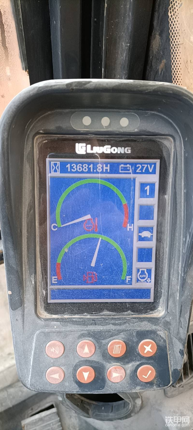 柳工925D挖機顯示屏沒有日期和時間了,是怎么回事,請問-帖子圖片