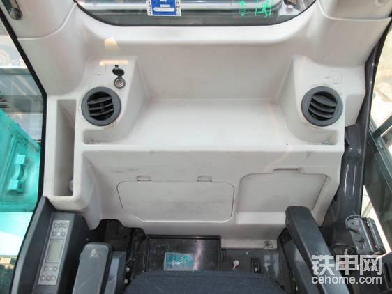 后部空间略显拥挤。但日本人无所谓,反正学徒有专门的双座教练车。